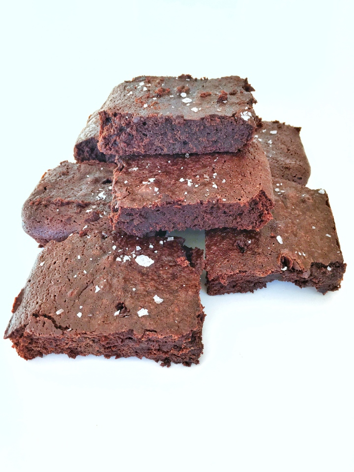 Fudgey sea salt brownies (GF and FODMAP friendly)